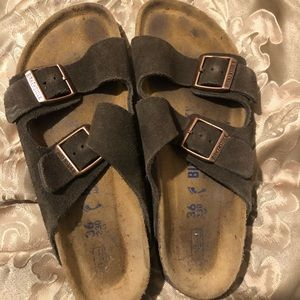 Birkenstock in good condition size 6 olive green
